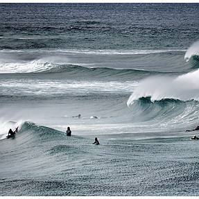 NEX 6 and 55/210 shoots surfing...
