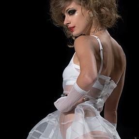 PROFOTO B2 1 HEAD KIT W/CANON REMOTE for Intimate Runway Fashion
