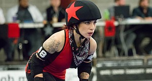 Shooting Roller Derby with the Olympus OM-D E-M5 II