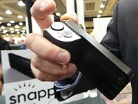 Snappgrip gives smartphones a camera feel