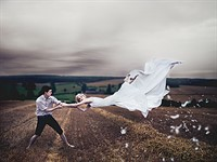 Levitation photography made simple with Snapheal