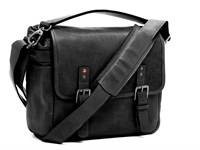 Ona introduces black version of the Leica M edition Berlin ll bag