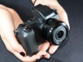 Hands-on with Nikon V2