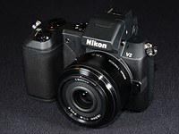 Hands-on with the Nikon 1 V2 - 14MP mirrorless camera with built-in EVF