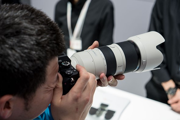 Sony delays 70-200mm GM lens until September 1