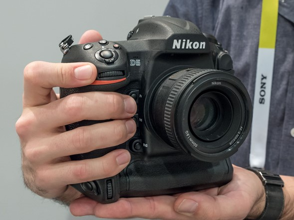 Hands-on with the Nikon D5
