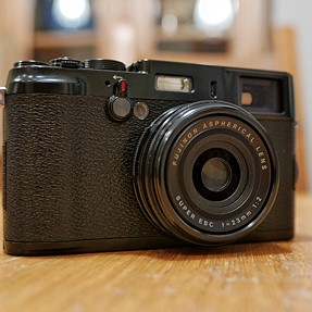 Superb Fuji X100 LE complete boxed kit, WCL and TCL