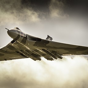 First post here for a while! :D Thought I'd check back in.......Vulcan bomber photo...