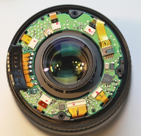 LensRentals looks inside the Canon 16-35 f/4 IS